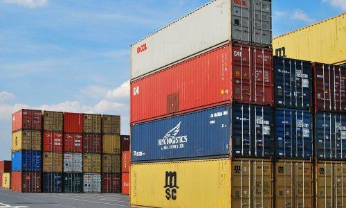 Transport des conteneurs maritimes par la route, avantages et inconvénients