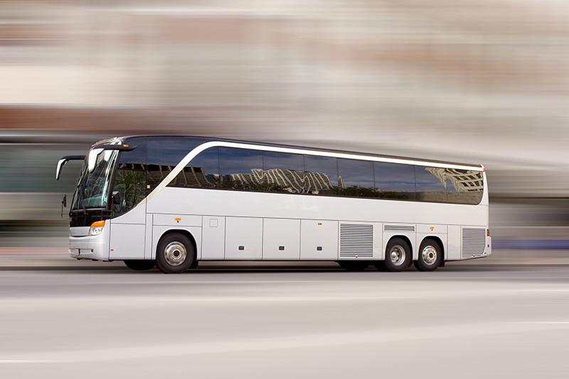 Réservez des bus et des minibus dans tout le pays