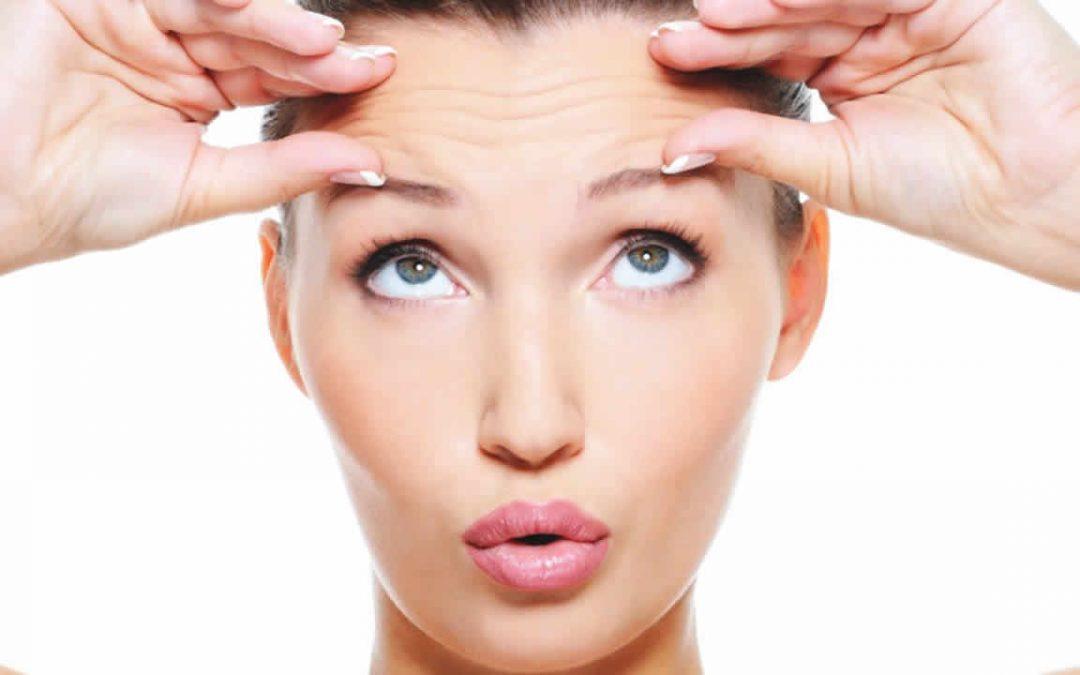Les compléments alimentaires anti-âge qui renforcent votre soin de beauté topique