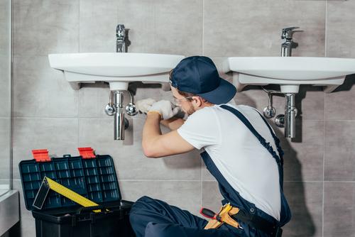 Conseils pour choisir le bon plombier