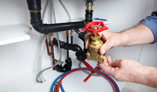 Fuite de tuyaux: causes, problèmes et solutions